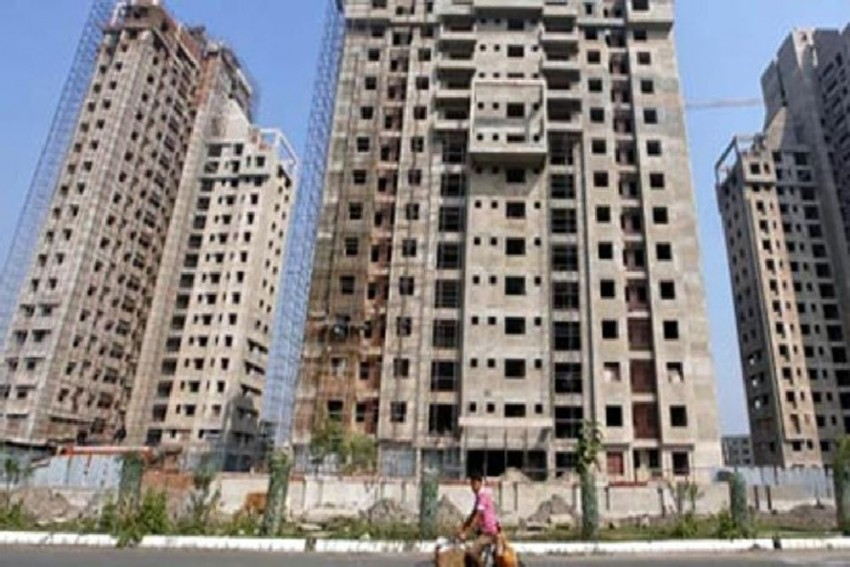Real Estate Sector Woes Trigger Financial Stocks-Led Decline In Markets