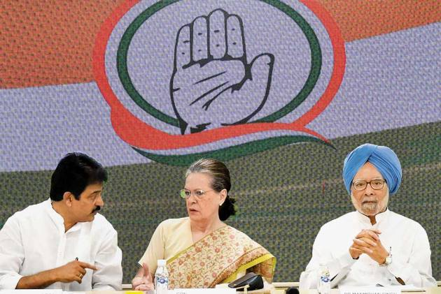 Big Fat Egos To Deal With, Sonia Gandhi's 'Window Dressing' Leaves Congress Gasping Ahead Of Assembly Polls