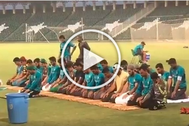 Pakistan Cricket Team Offering Maghrib Prayer During Training Session Leaves Fans Divided, Video Goes Viral - WATCH