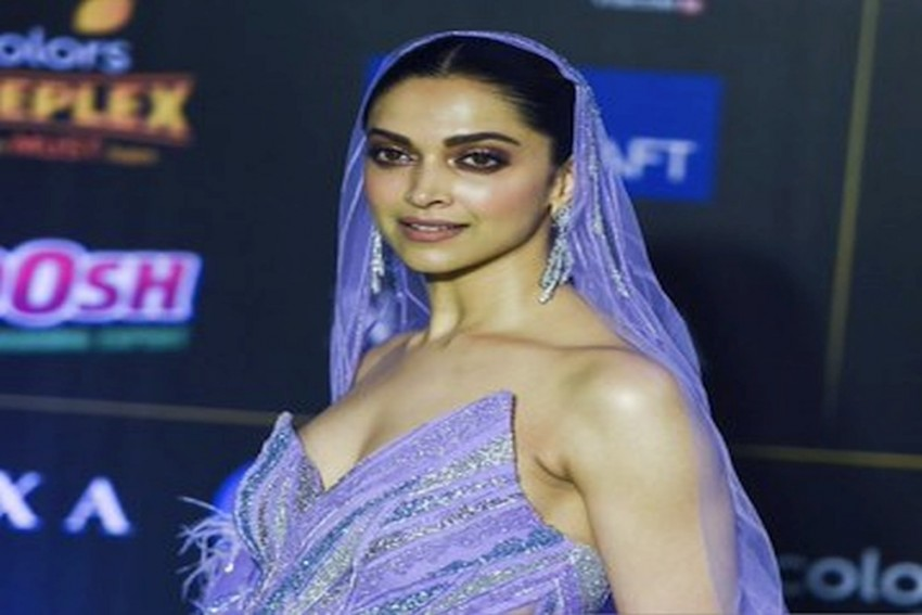 Deepika Padukone's IIFA Memes On Instagram Will Give You A Good Laugh