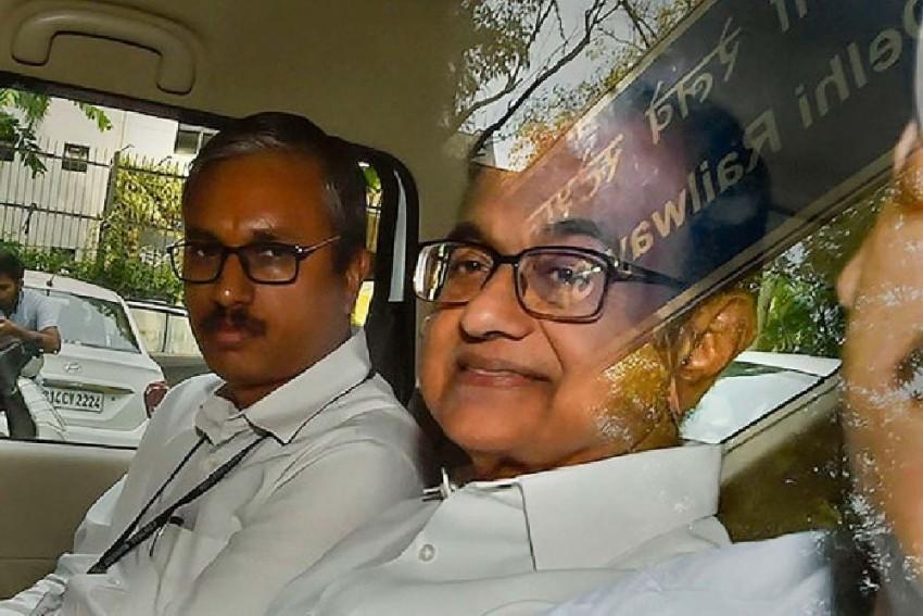 'I Will Be Strong & Brave': Chidambaram After Meeting Sonia Gandhi, Manmohan Singh In Tihar