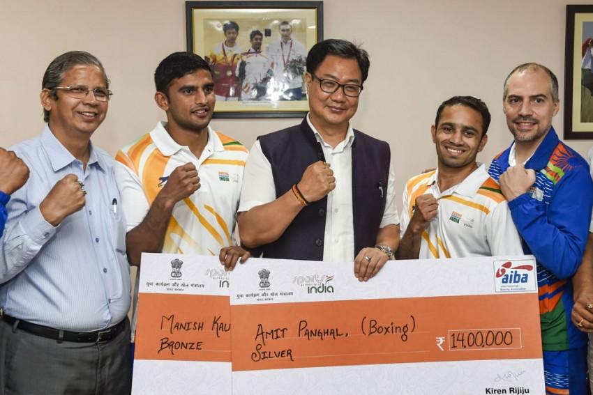 Sports Minister Kiren Rijiju Felicitates Boxers Amit Panghal, Manish Kaushik With Cash Awards