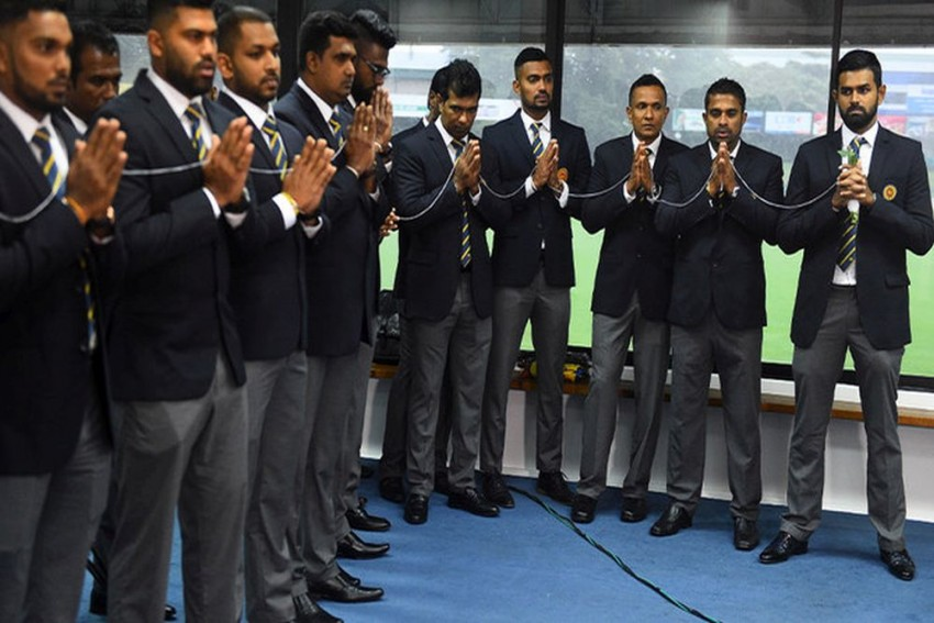 Sri Lanka Cricket Team Leaves For Pakistan Despite Security Concerns