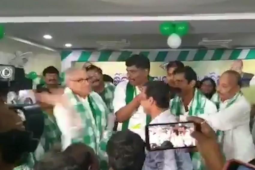 BJD MP Chandrasekhar Sahu Filmed Slapping Party Worker On Stage