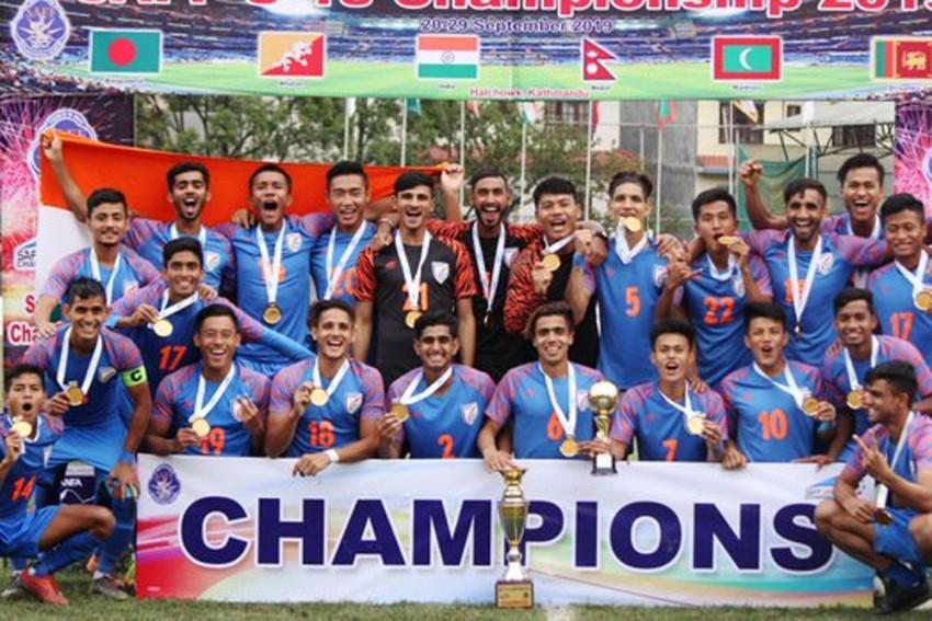 India Beat Bangladesh 2-1 To Lift Maiden SAFF U-18 Trophy