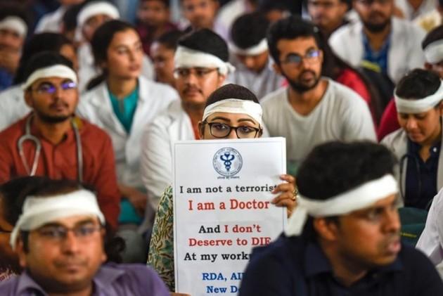 Health Ministry Proposes Legislation Over Violence Against Doctors