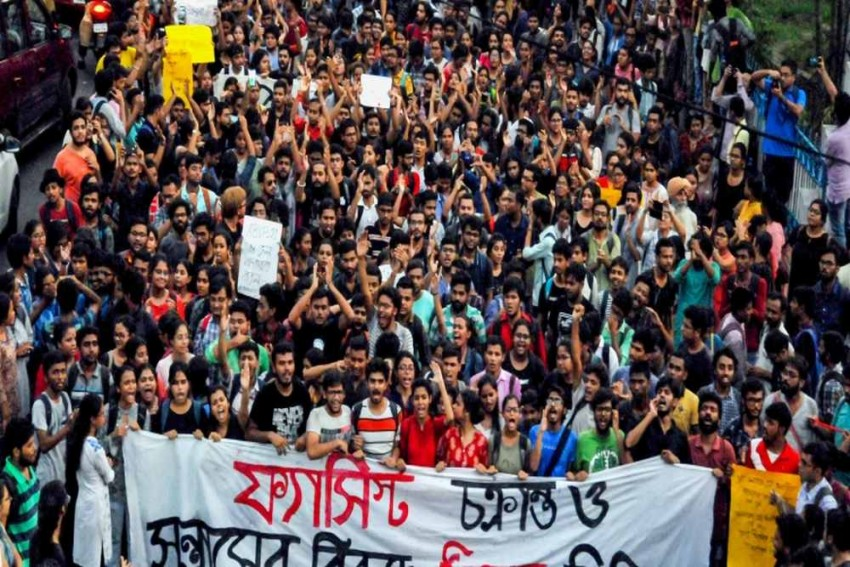 In Jadavpur University Fracas, Truth Was Biggest Casualty In 24/7 Media Age