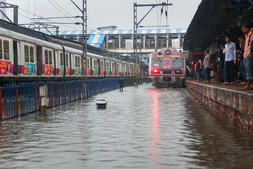 'Red Alert' In Mumbai, Adjoining Districts As Heavy Rains Disrupt Road, Rail Traffic