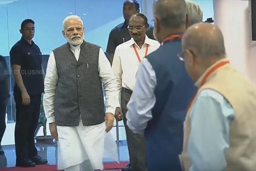 'Achievement No Small Feat': PM Modi Lifts Spirits Up At ISRO As Contact With 'Vikram' Lander Lost