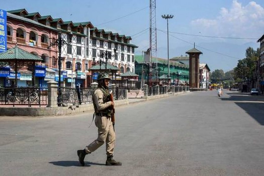 Pakistani Doctors Plan To Cross LoC To Reach Kashmir: Report