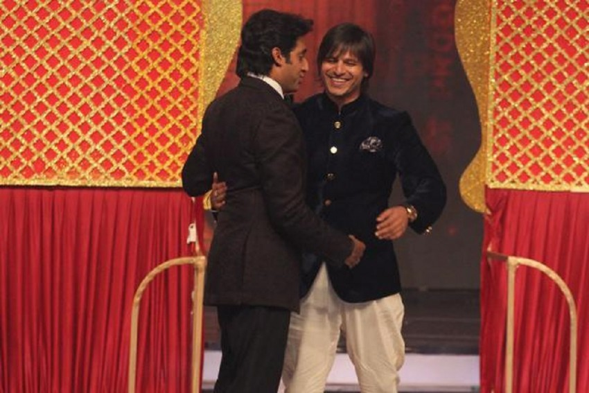 Abhishek Bachchan And Vivek Oberoi Exchange A Smile And Embrace Each Other At PV Sindhu's Felicitation Event