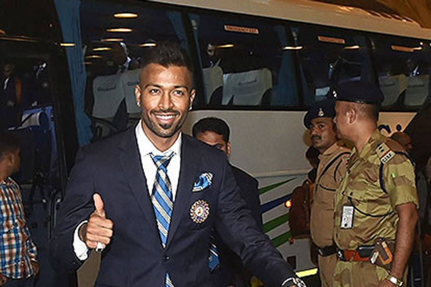 IND Vs AUS, 1st ODI: Hardik Pandya Trains With Indian Cricket Team, Bowls At Nets