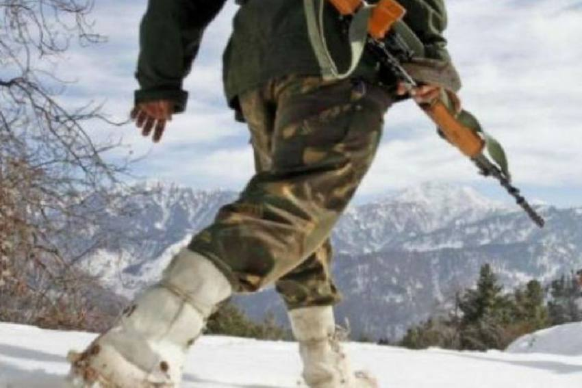 J&K: Indian Army Havildar Slips In Snow At Gulmarg, Reaches Pakistan
