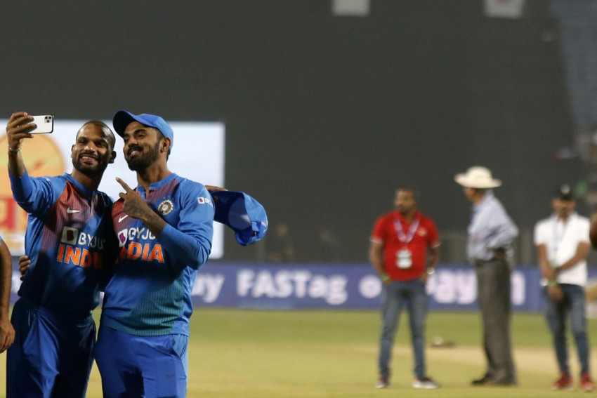 India Vs Australia: Will Virat Kohli Drop Himself Down The Order To Use Both Shikhar Dhawan, KL Rahul?