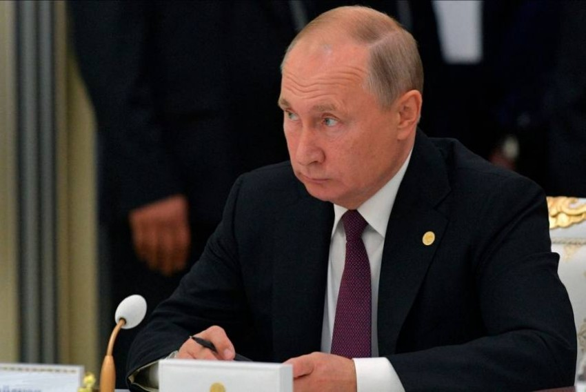 Russian PM Resigns As Putin Proposes Constitutional Amendments