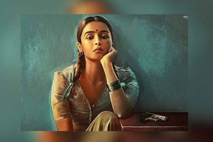 Alia Bhatt's Look In 'Gangubai Kathiawadi' Receives Applause From Bollywood Stars
