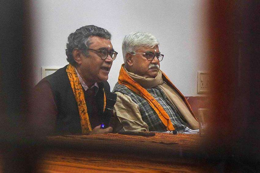 CAA Row: Visva Bharati Sets Up Probe Panel On Swapan Dasgupta Incident, Students' Clash