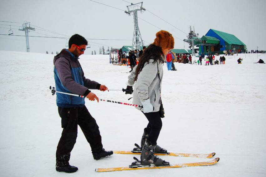 Jammu and Kashmir: Lack Of Explosives Delays Skiing In Gulmarg This Season