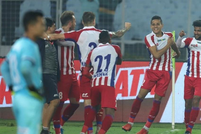 ISL: ATK Humble FC Goa 2-0, Take Top Spot