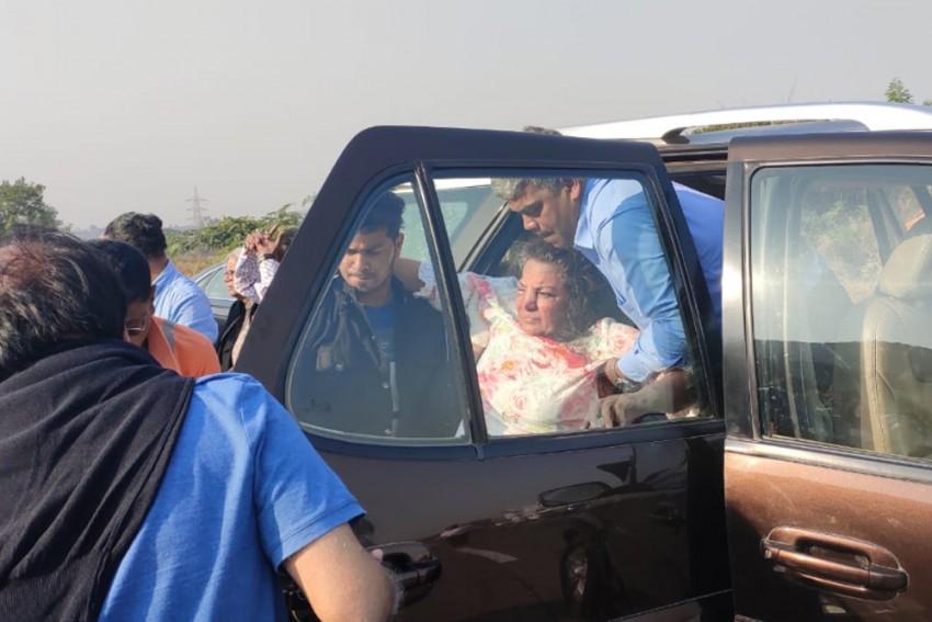 Shabana Azmi Injured In Road Accident On Mumbai-Pune Expressway, Rushed To Hospital