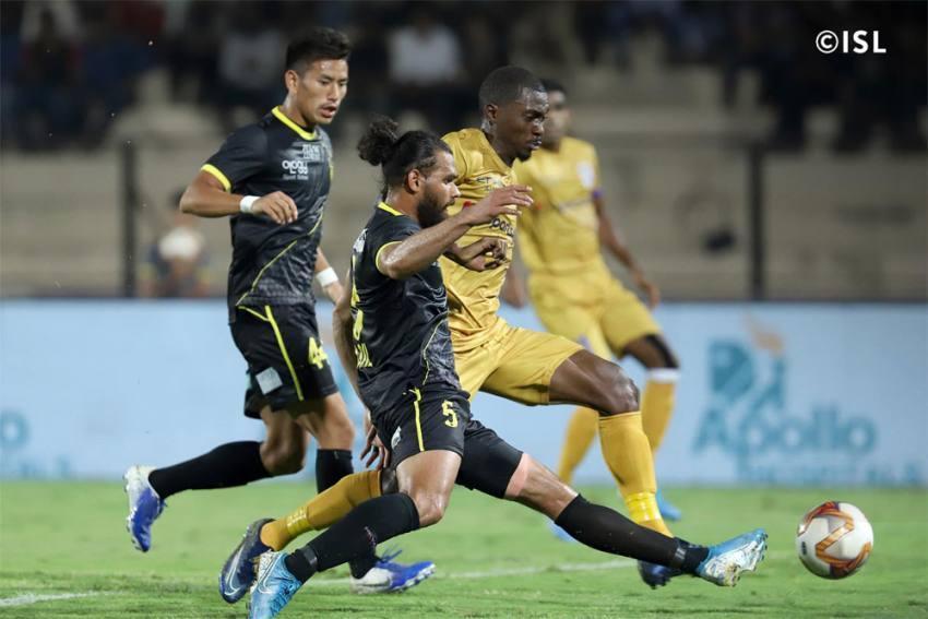 ISL: Hyderabad FC Hold Mumbai City With Late Penalty Strike
