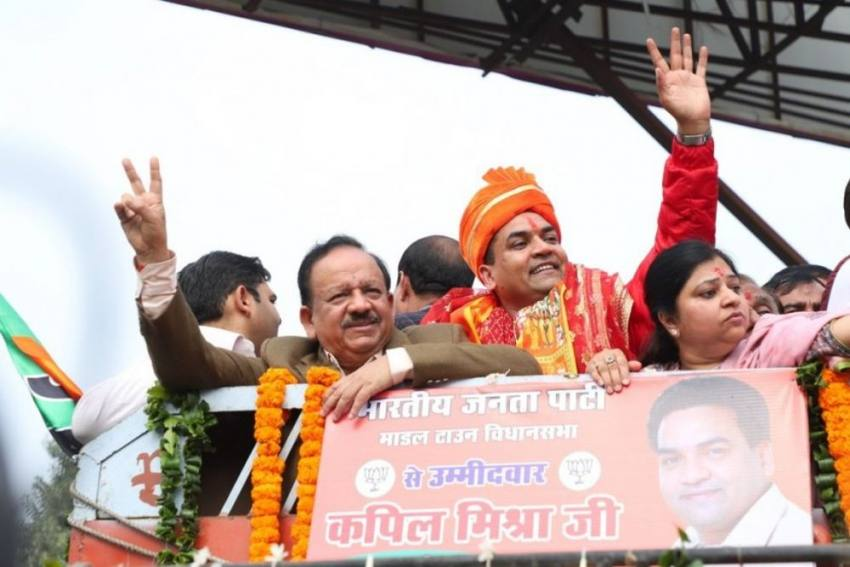 Delhi Polls: EC Bans BJP's Kapil Mishra From Campaigning For 48 Hours After 'India Vs Pakistan' Tweet