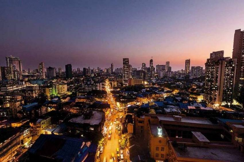 Mumbai An Insomniac's Paradise Now As Businesses To Run 24x7; No Good News For Tipplers