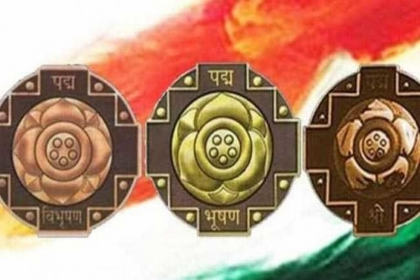 India Gives 141 Padma Awards On Republic Day, Former Union Ministers, Bollywood Celebs Among Awardees