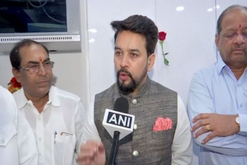 EC Issues Show-Cause Notice To Anurag Thakur For <em>'Goli Maaro...'</em> Slogan