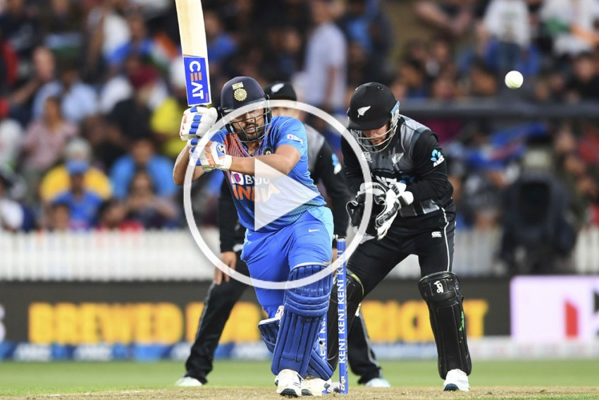 NZ Vs IND, 3rd T20I: Rohit Sharma In Murderous Mood, Hits Hamish Bennett For 26 Runs In An Over - WATCH