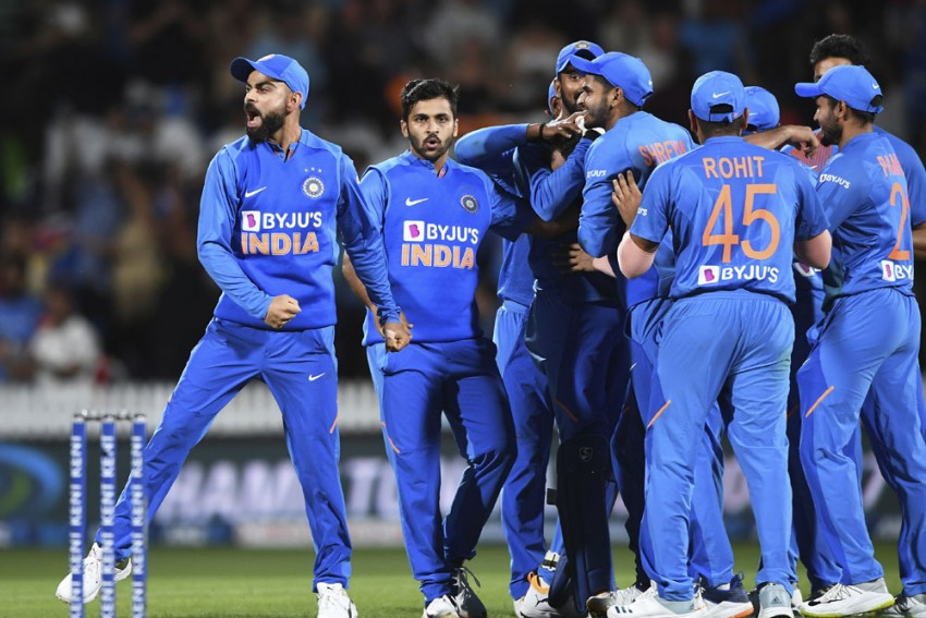 NZ Vs IND, 3rd T20I: Virender Sehwag At His Best, Hails India's 'Yaadgaar' Series Win In New Zealand In Style