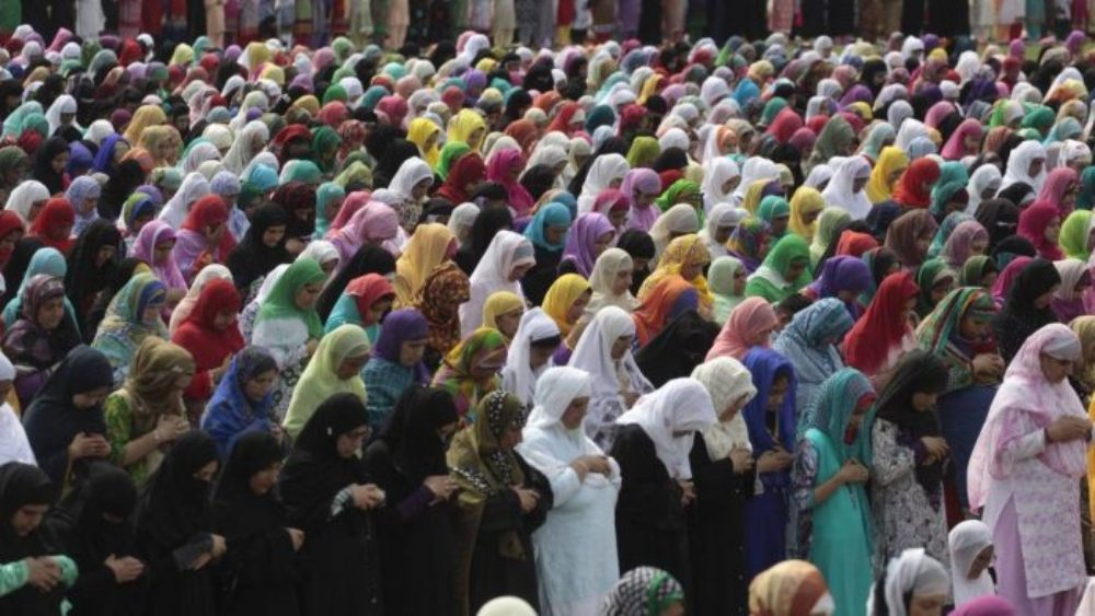 Muslim Women Allowed To Enter, Offer Prayers In Mosques, AIMPLB Tells SC