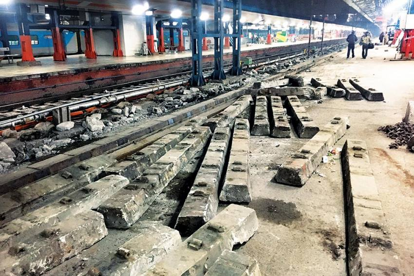 Privatisation Of Indian Railways: Why A Tragic Hero Is Always At Mammoth Odds