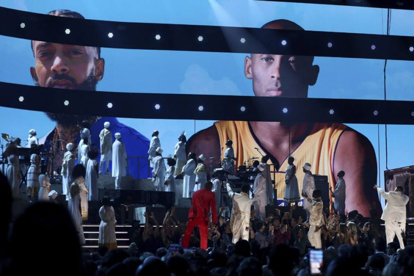 Super Bowl 2020: Jennifer Lopez, Shakira To Honour Kobe Bryant During Half-Time Show