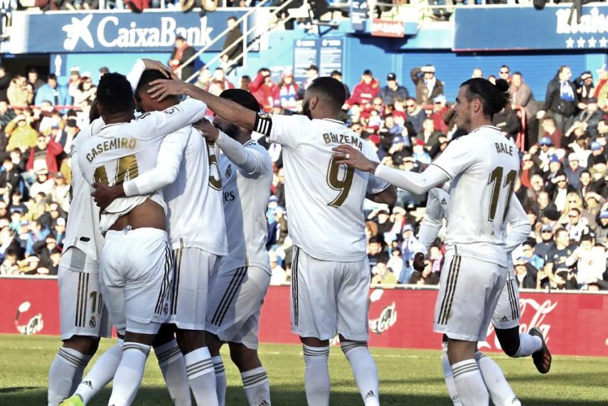 La Liga Getafe 0 3 Real Madrid Raphael Varane Gets Zinedine
