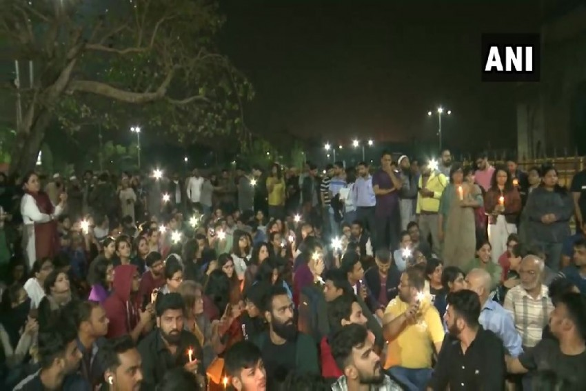 From Pondicherry To Oxford, Varsities Across India & World Condemn Mob Attack On JNU Students