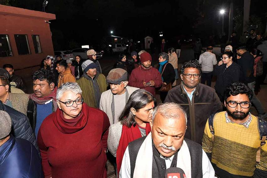 'Admin Responsible': JNU Teachers' Association Demands Removal Of VC, Inquiry Into Violence