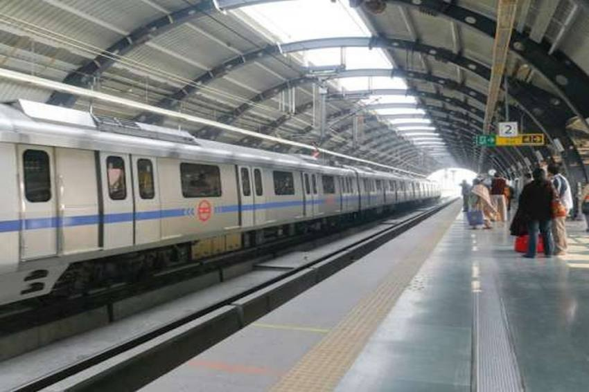 Man Allegedly Commits Suicide On Delhi Metro's Blue Line