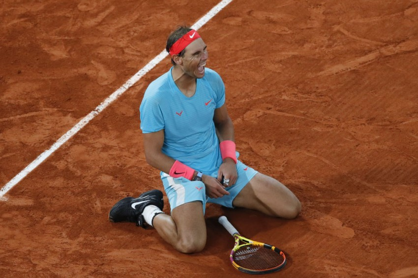 French Open 2020: Rafael Nadal Ties Roger Federer's Grand Slam Record After Thrashing Novak Djokovic