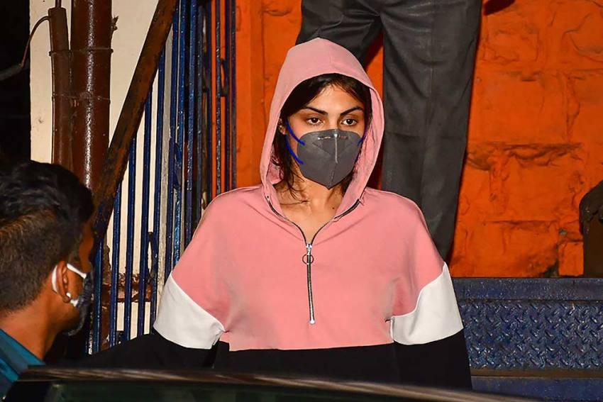 Rhea Chakraborty Urges CBI To Arrest Neighbour For False Statement