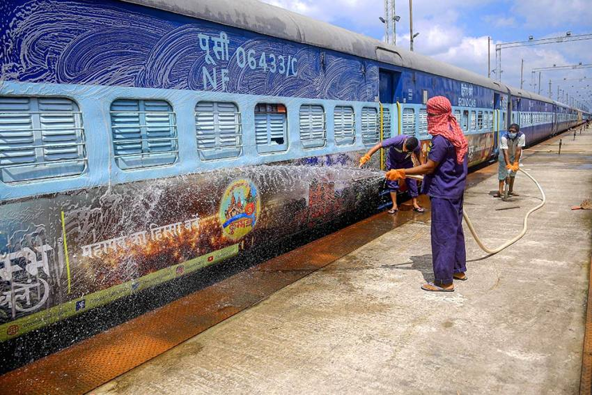 Indian Railways To Run 392 Special Festival Trains Between October 20-November 30