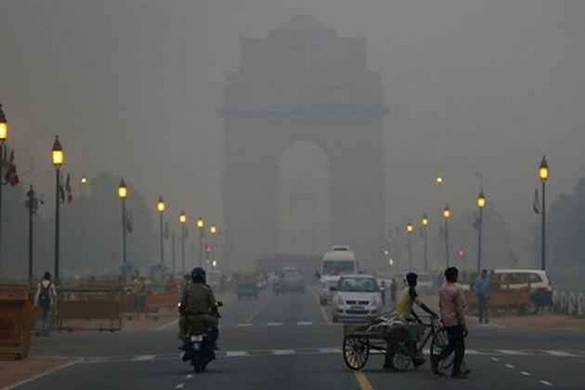 Pollution In Delhi: Air Quality Dips To 'Very Poor' Amid Farm Fires