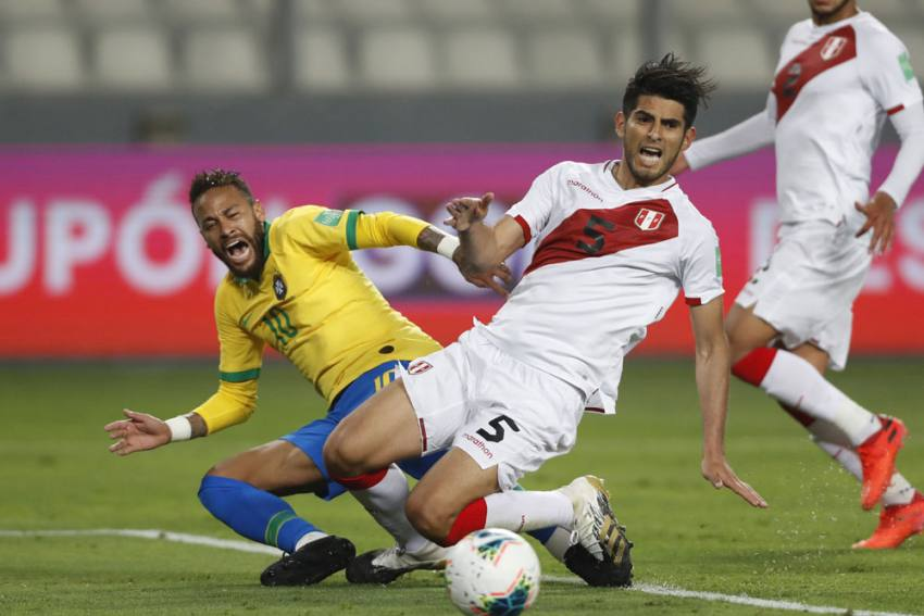 Neymar Is A Clown – Carlos Zambrano Hits Out At Brazil Superstar