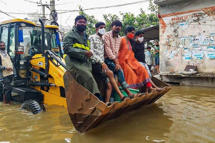 Heavy Overnight Downpour In Hyderabad Leaves Many Areas Flooded