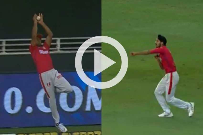 IPL 2020: Mayank Agarwal's Sensational Save Perfectly Highlights Unbelievable Double Super Over-Watch