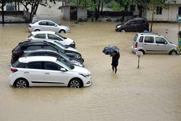 Heavy Rain Turns Bengaluru Roads Into Rivulets, Flood Alert Sounded In Many Areas