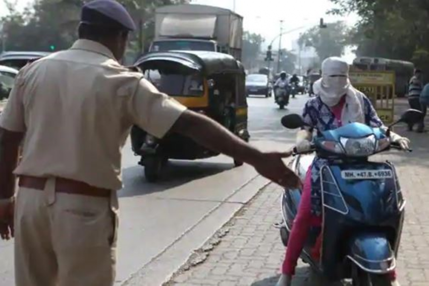 Stopped For Not Wearing Helmet, Woman Beats Up Traffic Cop In Mumbai