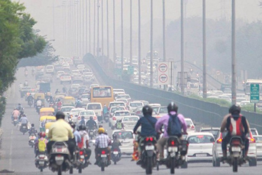 Delhi's Air Quality Continues To Remain 'Very Poor'