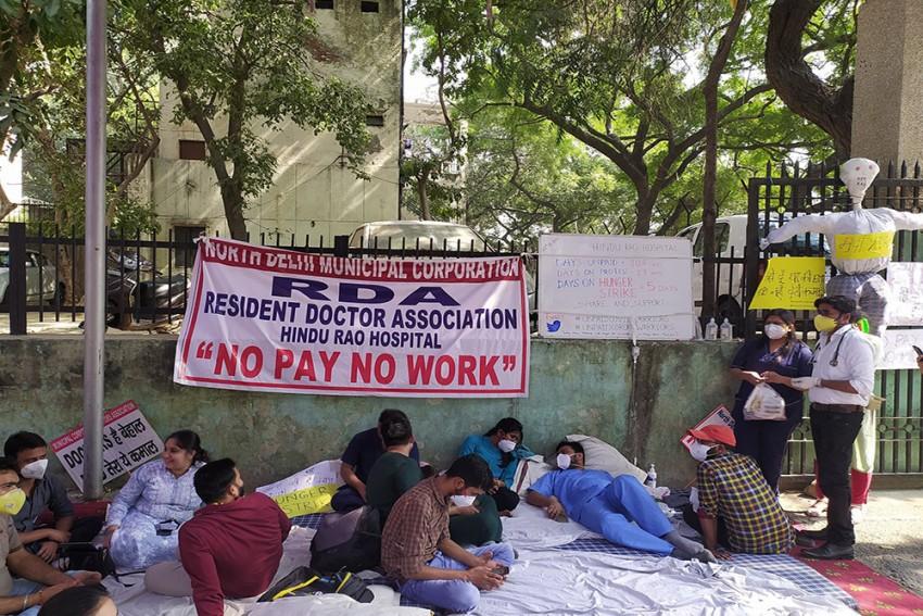 Pending Salaries: Delhi's Civic Body-Run Hospital Staff Go On Indefinite Strike