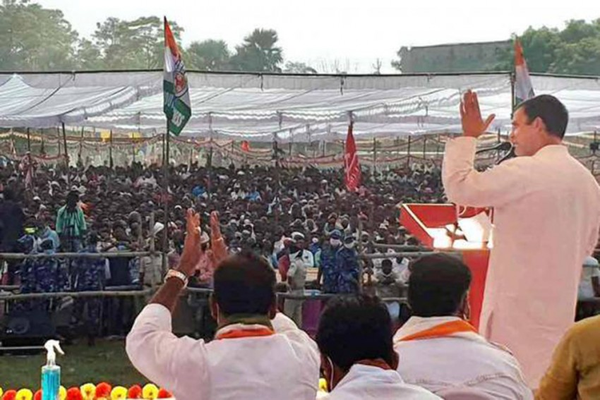 Bihar Polls: Rahul Gandhi Attacks Modi Over Unemployment In Champaran Rally